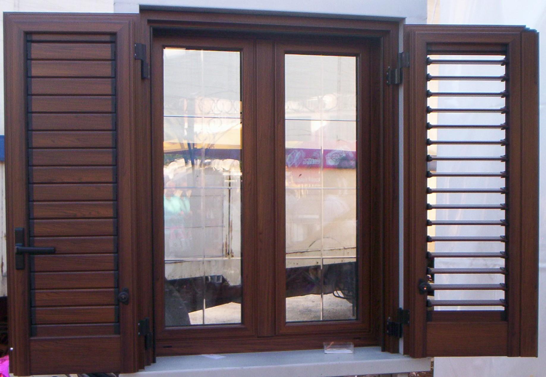 Fer all produzione e vendita opere in alluminio e ferro for Prezzi porte finestre in alluminio